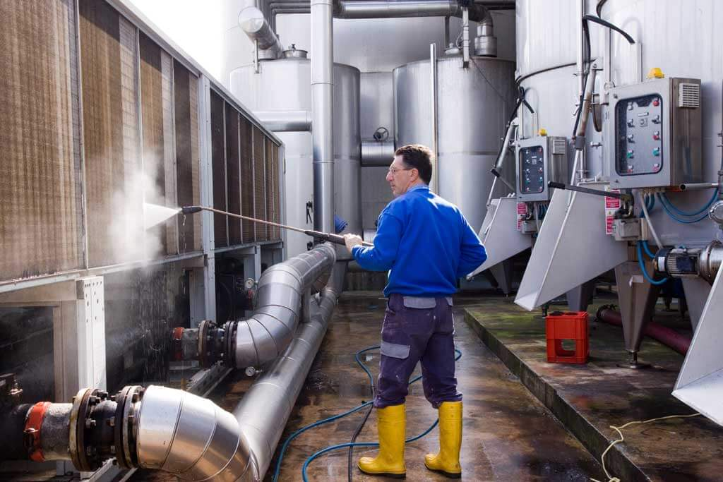 equipment and cleaning supplies of industrial cleaning companies