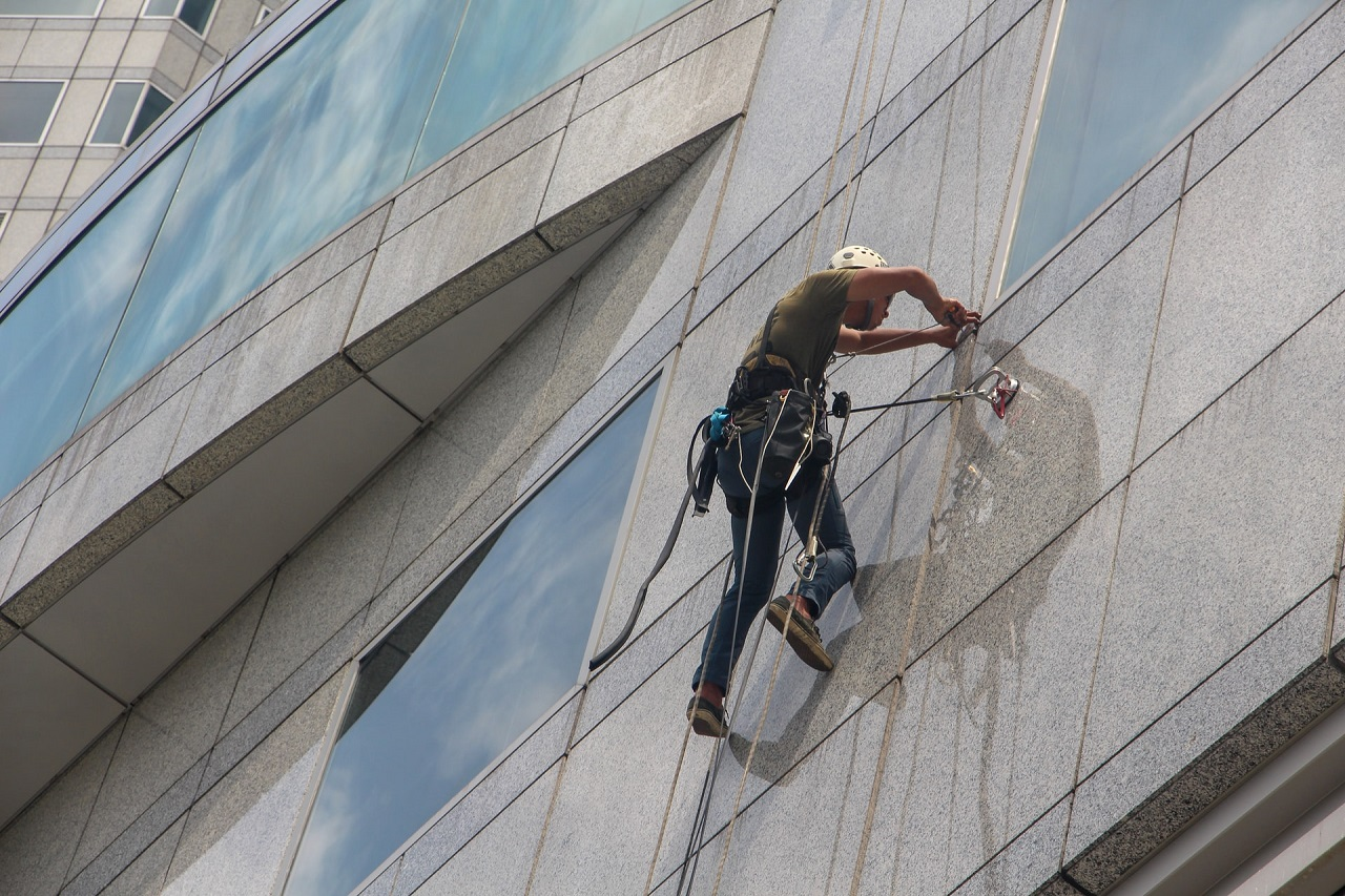 Benefits of Hiring Professional Window Cleaning
